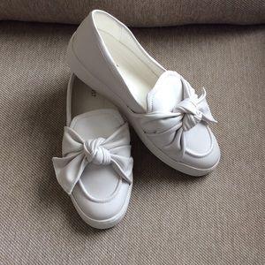 NINE WEST Pompomo White Slip-On Sneaker